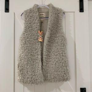 Dylan by True Grit Charlotte Fur Vest (chalk)